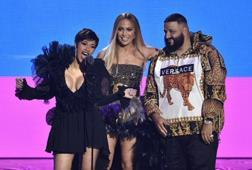 Cardi B logra tres premios en unos MTV Video Music Awards muy repartidos