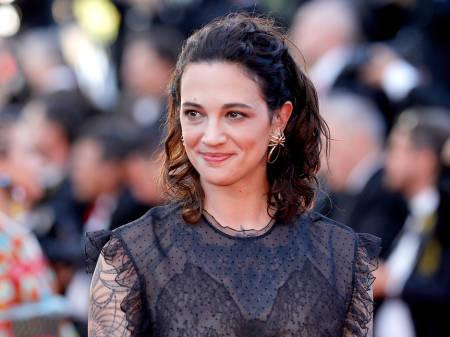 Actriz Asia Argento niega haber abusado sexualmente de menor, dice Bourdain hizo pago