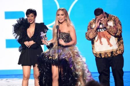 Cardi B logra tres premios MTV Video Music Awards y Jennifer López dos