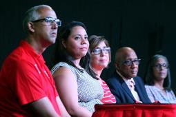 Artistas apoyan la 'Fiesta Roja de Olimpiadas'