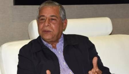 """Roberto Salcedo afirma que Robertico compró """"con su dinero"""" las mochilas que repartió"""