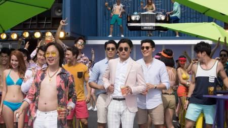 """VIDEOS: """"Crazy Rich Asians"""" se mantiene sin apuros como líder de los cines en EE.UU."""