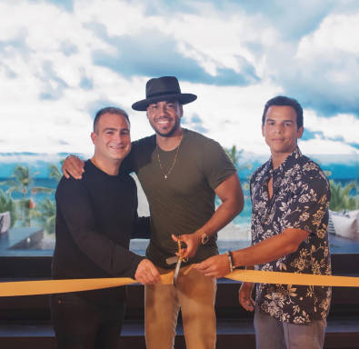 "Inauguran ""The Kings Villa"" en Punta Cana en honor a Romeo Santos"