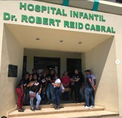 """""""Wasonistas"""" entregan donativos a niños del hospital infantil Dr. Robert Reid Cabral"""