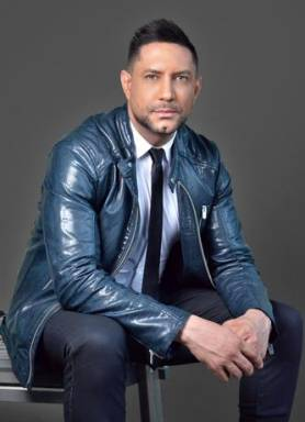 Fallece madre del cantante Marcos Yaroide