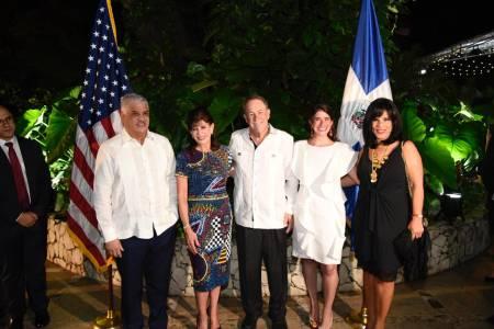 Realizan recepción en honor a la nueva embajadora de los Estados Unidos