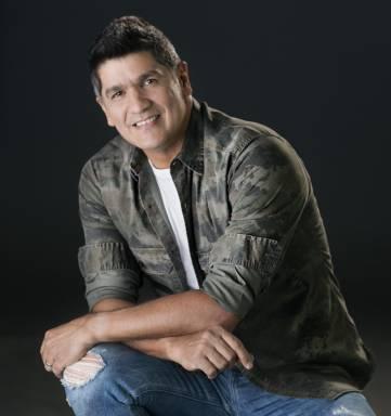 Eddy Herrera presenta concierto acústico en Chao Café Bar