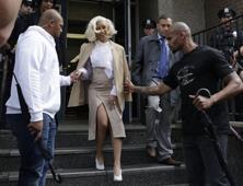 Cardi B se entrega a la policía de NY por pleito en club nocturno