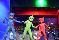 """""""Pj Masks"""" llena de felicidad a cientos de niños"""