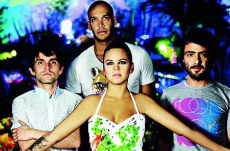 "Bomba Estéreo se define como banda alternativa pese al éxito de ""To my Love"""