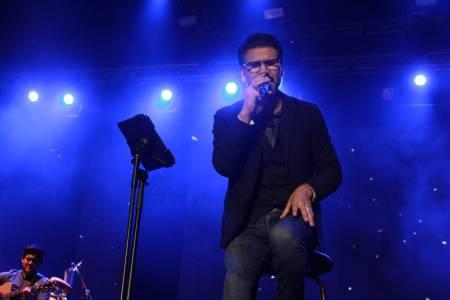 Jesús Adrián Romero en una noche de música, adoración y testimonios