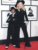 Madonna anima a su hijo a jugar fútbol