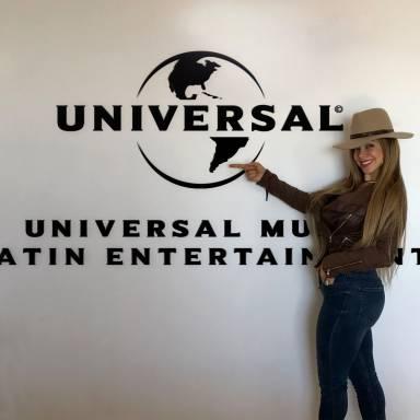 La Materialista firma con Universal Latin Music Entertainment