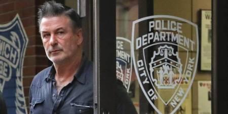 Alec Baldwin niega acusaciones de que golpeó a una persona por un parqueo