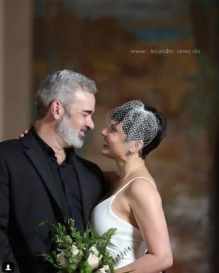 La comunicadora Yolanda Martínez se casa con Mike Alfonseca