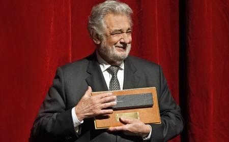 Festejan a Plácido Domingo por su 50 aniversario con el Met