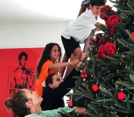 La Navidad llegó al hogar de Jennifer López