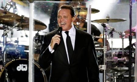 Luis Miguel recibe avalancha de críticas tras concierto en Auditorio Nacional de México