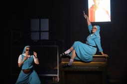 """""""La Llamada"""" se estrenó entre aplausos y seguirá en cartelera, en Bellas Artes"""