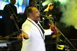 Wilfrido Vargas pone a bailar a más de 25,000 personas