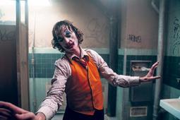 El trabajo de Joaquin Phoenix lleva el peso de una historia perturbadora