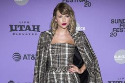 """Taylor Swift se apunta su 7mo No. 1 con """"folklore"""""""