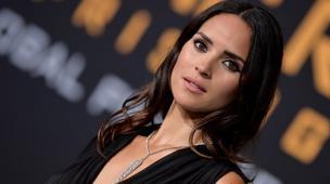 """Adria, hija de Ricardo Arjona, acompañará a Diego Luna en """"Star Wars"""""""