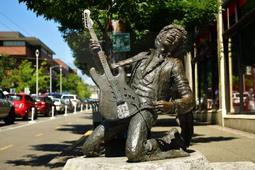 ¿Qué hace de Jimi Hendrix una leyenda viva 50 años después de su muerte?