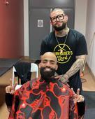 La historia detrás del barbero de las celebridades